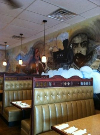 El Comal - Authetic Mexican Restaurant: Murals