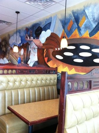 El Comal - Authetic Mexican Restaurant: Nice booths