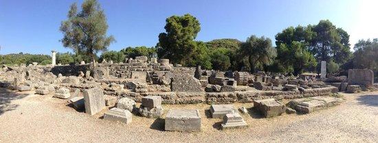 แองเชี่ยน โอลิมเปีย (อาร์ไชย่า โอลิมเปีย): Temple of Zeus