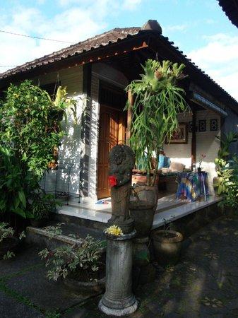 Nirwa Ubud Homestay: Common area