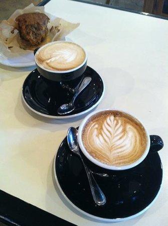 Noble Coffee Roasting : foam art