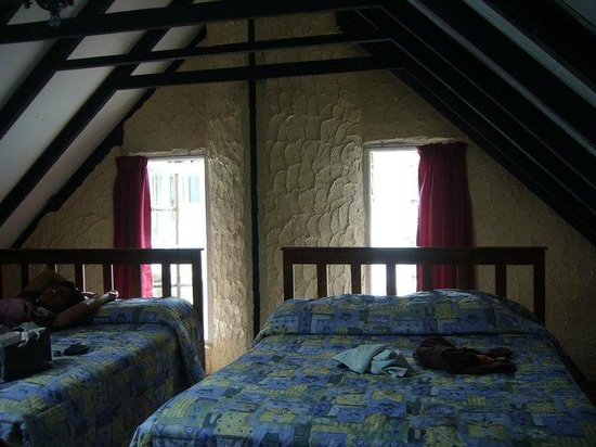 Planters Country Hotel & Restaurant: Attic at Family Chalet