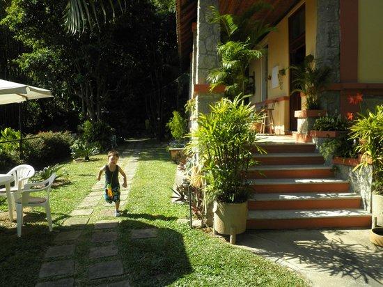 Casa Caminho do Corcovado : Jardines