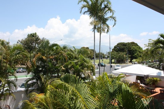 Ibis Styles Cairns : View