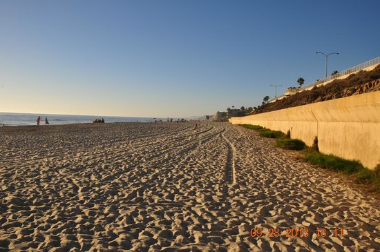 Residence Inn San Diego Carlsbad: Carlsbad Beach...before sunset..nice beach :-)
