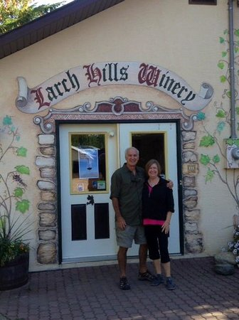 Larch Hills Winery: Wine Tasting Room