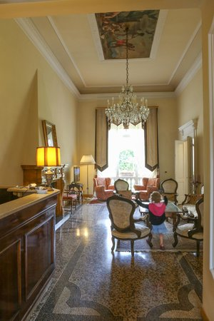 Principe Hotel: Hotel sitting room