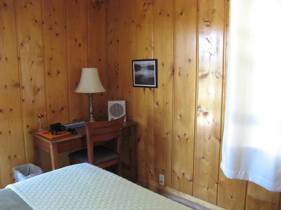 Vista Motel: Room 1