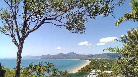 Frangipani Bed & Breakfast: Port Douglas lookout over Four Mile Beach