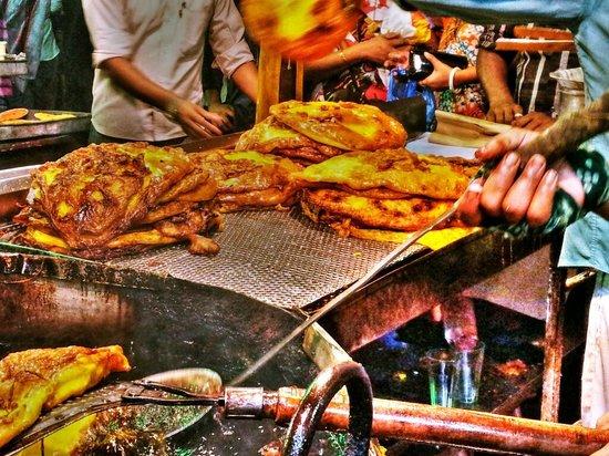 Street Food During Ramzan: Ramzan special Malpuva