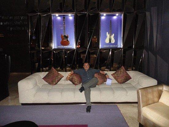 Hard Rock Hotel Panama Megapolis: en una de las salas de estar