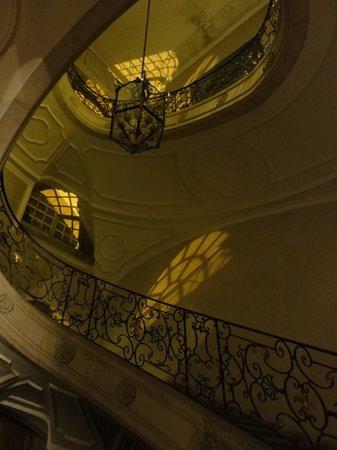 Hotel Abbaye des Premontres : Prachtige trap