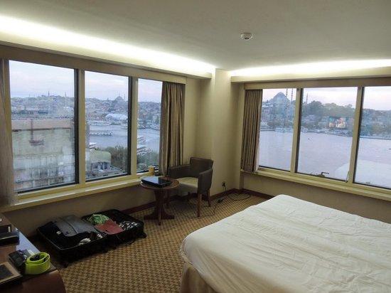 zimmer mit ausblick picture of istanbul golden city hotel istanbul tripadvisor. Black Bedroom Furniture Sets. Home Design Ideas