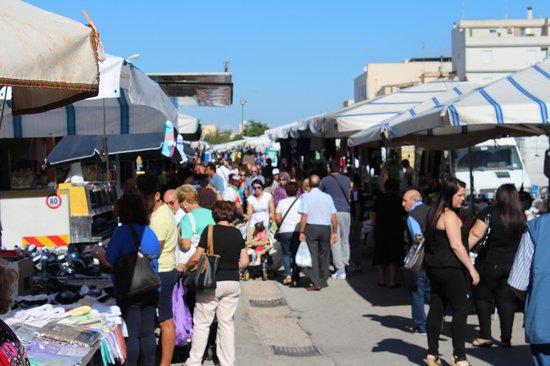 L'Oasi Di Selinunte - Club Marmara Sicilia: Marché de Castevetrano