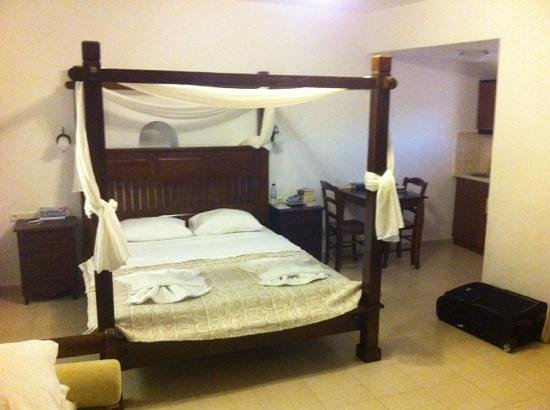 Anemomilos: kamer met hemelbed