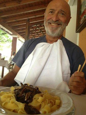 Trattoria Da Bepi Alle Scuole: my darling and his mushroom ragu pasta
