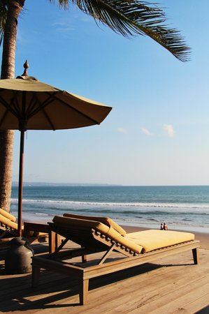 The Legian Bali: nice view from the poolside