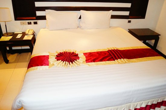 Royal Orchid Resort: Bedroom