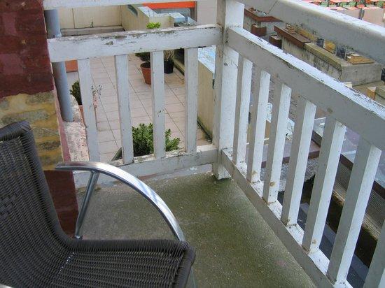 Hotel Le Rayon Vert : il manque le carrelage