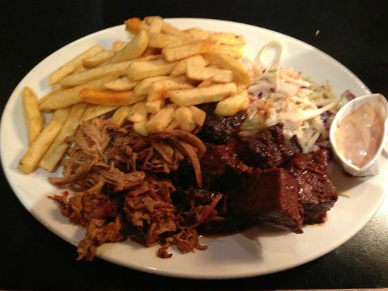 Bodean's BBQ - Tower Hill: burnt ends, pulled port, chips, coleslaw and yummy dip