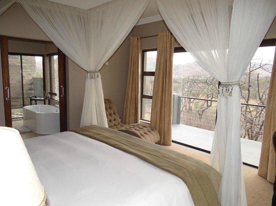 Shepherd's Tree Game Lodge: Bedroom
