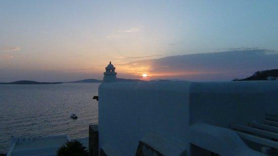 Mykonos Grand Hotel & Resort: tramonto vista camera