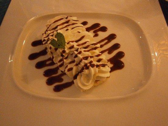 Hotel la Villa Marine : Crunchy fruits rouge et mousse chocolat blanc