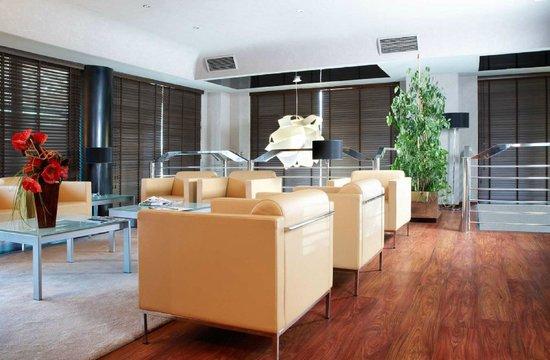 Abba Reino de Navarra Hotel: Sala TV