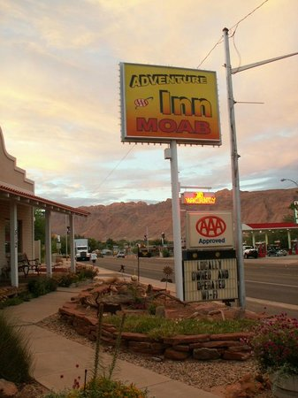 Adventure Inn & Motel: From the road