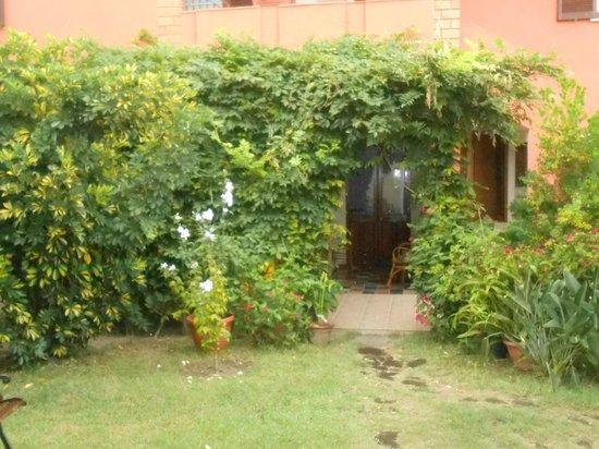 Arba at Ashar Bed and Breakfast: Il giardino