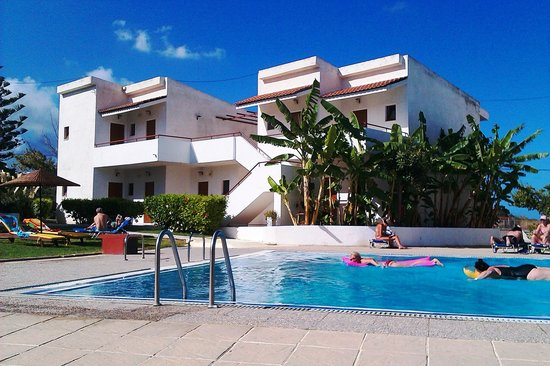 Vallian Village Hotel: My favourite poolside view at the Vallian