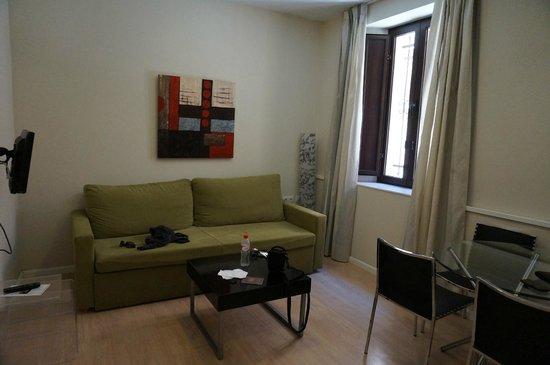 Apartamentos Metropolis Sevilla: Living room