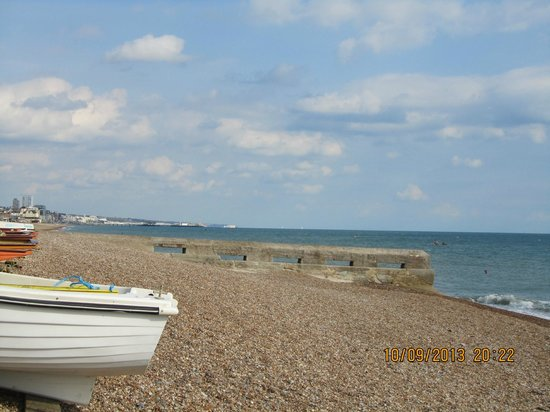 Langfords Hotel: Brighton - from Portslade Beach adjacent to the Lagoon....worth a visit :-)  5 min drive from ho