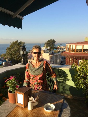 Dersaadet Hotel Istanbul: The terrasse and its great view