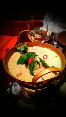 Patara Fine Thai Cuisine: Kiew Wan Gai Ban - chicken green curry with sweet basil