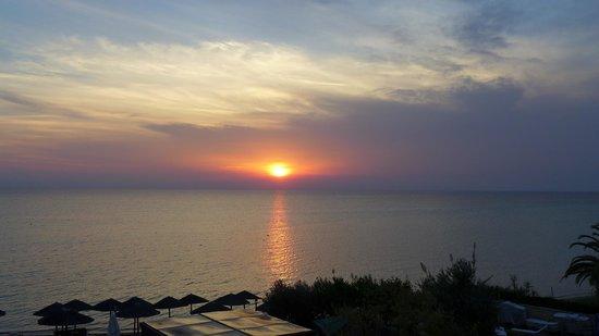 Olympion Sunset: Blick vom Zimmer auf den Sonnenuntergang 29.09.2013