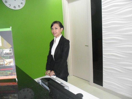 Dragon Inn Kemayoran : reception staff