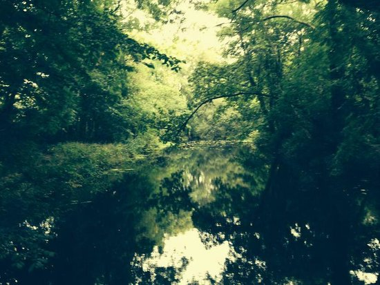 Royal Gunpowder Mills: river side walk