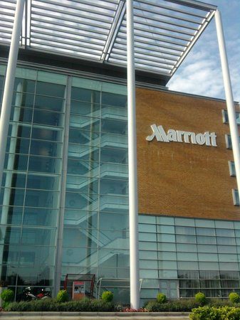 Leicester Marriott Hotel: GLASS FRONTED