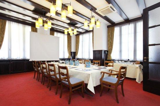 Schlosshotel Karlsruhe: Tagungsraum Weinstube