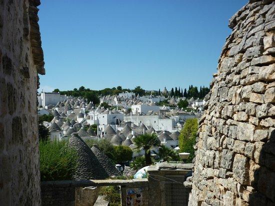 I Trulli di Alberobello - World Heritage Site: Overview of the trulli