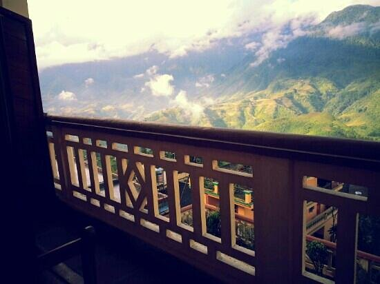Holiday Sapa Hotel: When i saw this wonderful view in the morning , i want to say it's out of my expectation.