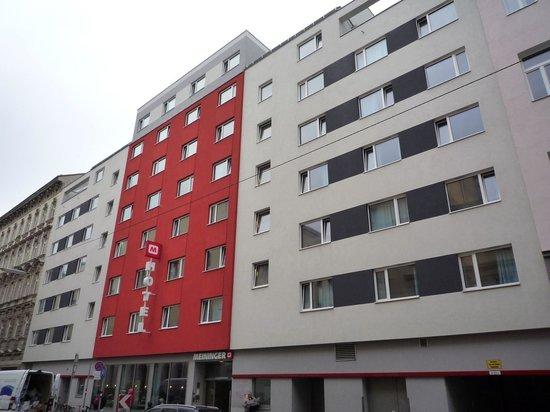 MEININGER Hotel Wien Downtown Franz : la façade le l'hôtel