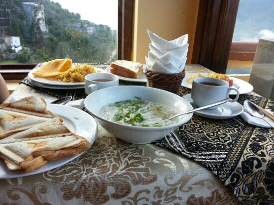 Holiday Sapa Hotel: You must have pho whenever in vietnam, you cannot found the best one in other place