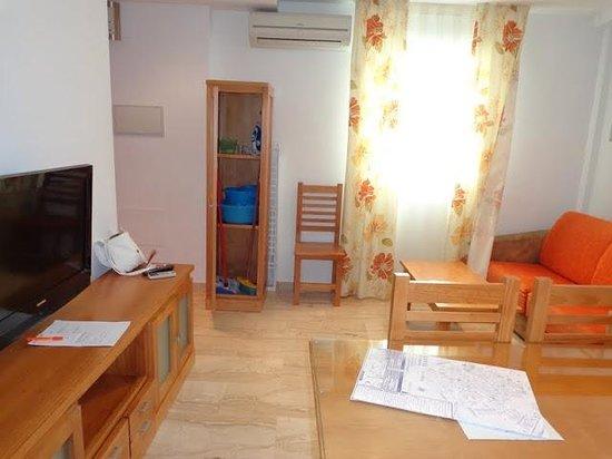 Hotel Apartamentos Loto Conil: Salón
