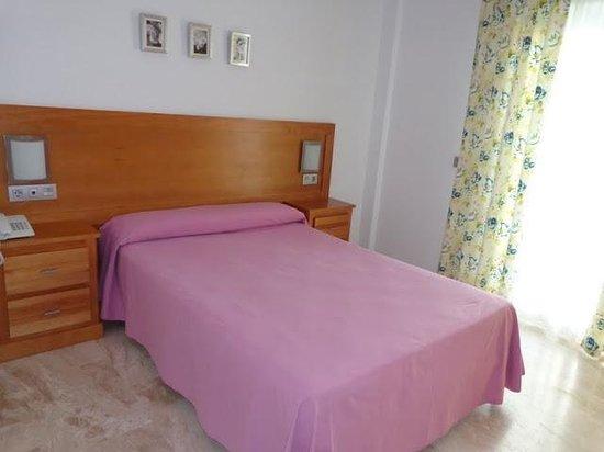 Hotel Apartamentos Loto Conil: Habitación