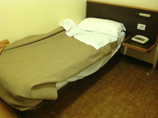 Hotel Ornato - Gruppo Mini Hotel: Il letto più simile a una branda