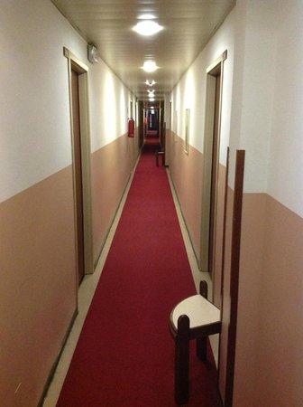 Hotel Ornato - Gruppo Mini Hotel: corridoio
