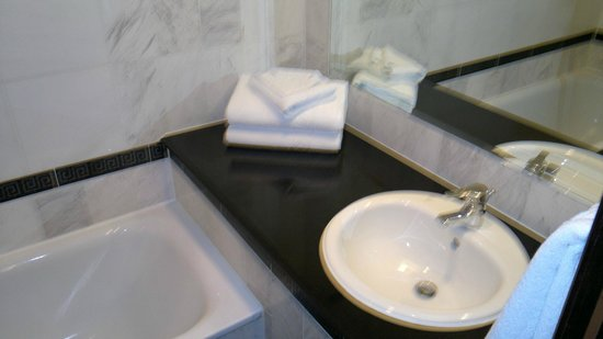 Grange Rochester Hotel: Sink