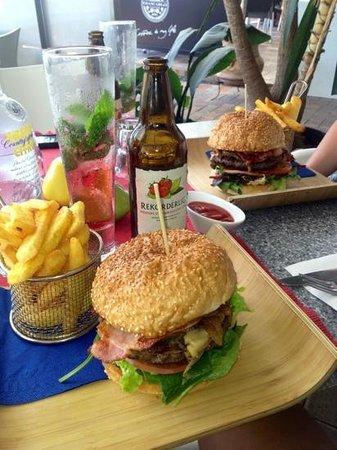 Buddha burger: beautiful beef burgers add bacon
